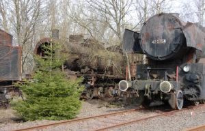 Christmas Graveyard..[Hermeskeil Railway Museum - Germany]